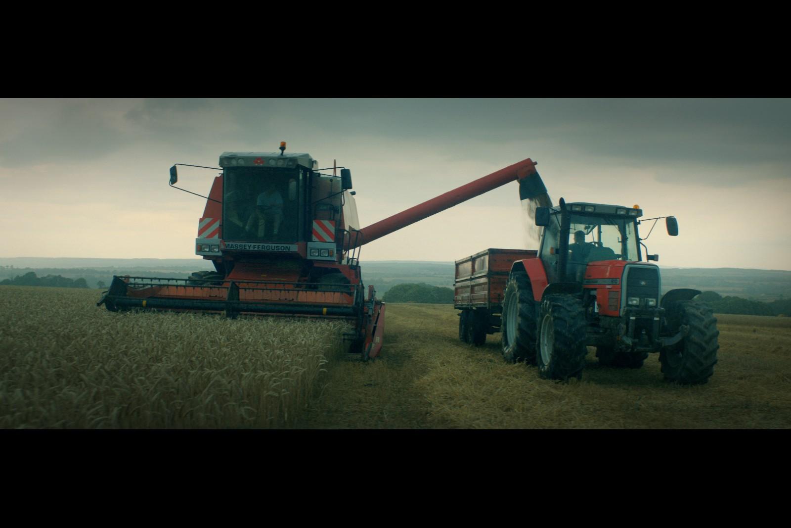 """Résultat de recherche d'images pour """"AU NOM DE LA TERRE France - 2019 - 1h43 de Edouard Bergeon avec Guillaume Canet, Veerle Baetens, Anthony Bajon"""""""